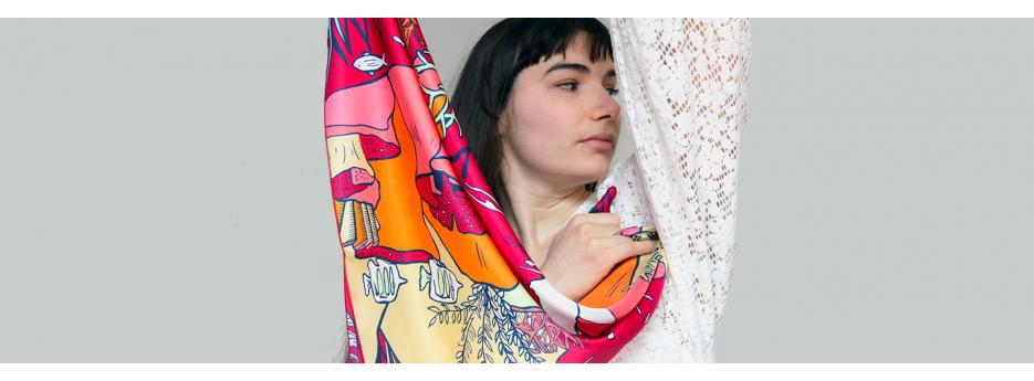 Boutique de foulards en soie pour femmes : carrés, écharpes, étoles, accessoires Made in France