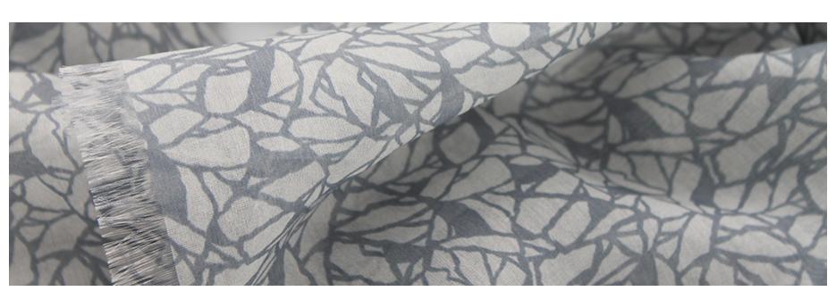 Accessoires pour hommes : chèches en étamine laine et soie